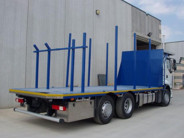 Cassone fisso per trasporto tronchi e legname con attacco per gru scarrabile posteriore - Produzione a Cerea - Verona